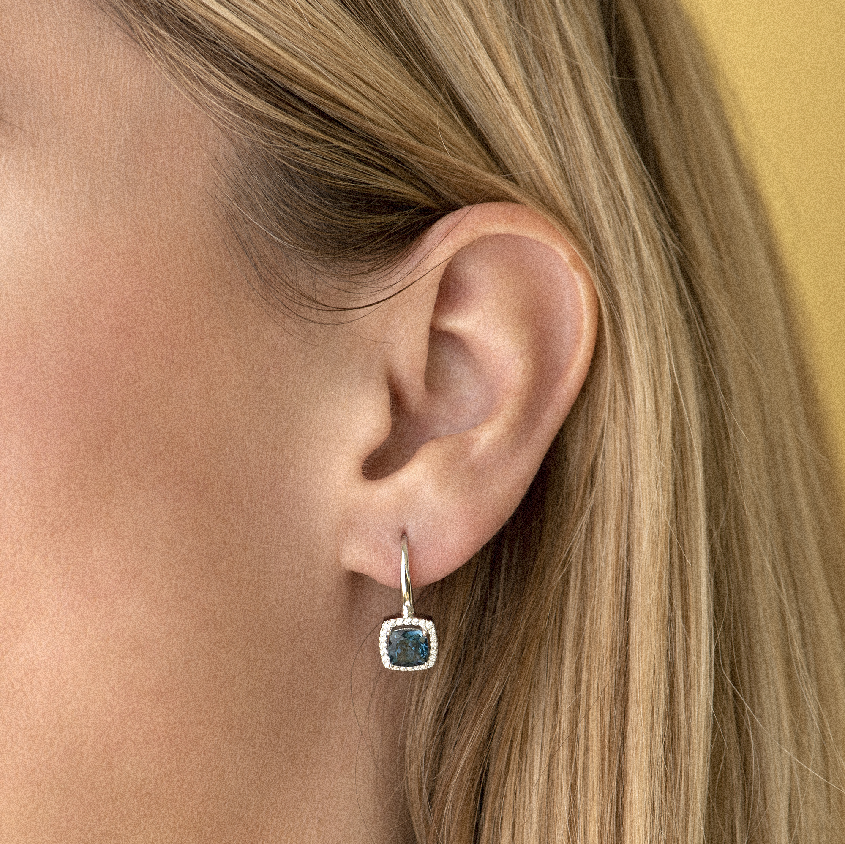 etna earrings in white gold